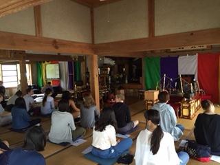 アメリカの留学生が今年も座禅に参加しました。